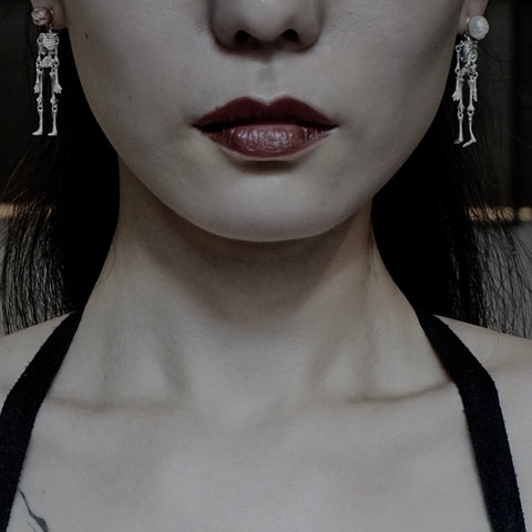Pearl skull sculpture combination Earrings