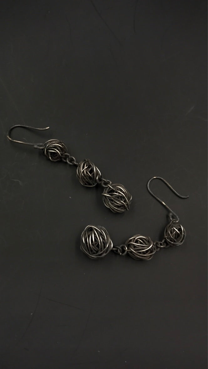 Empress47 Spherical Chain Earrings