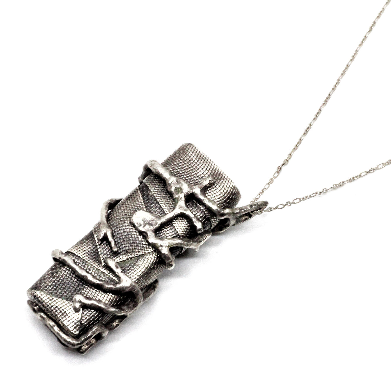Empress 47 sterling silver lighter set necklace