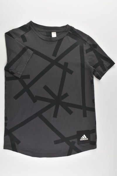 Adidas Size approx 9-10 T-shirt