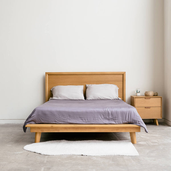 Loszak - European Oak Bed