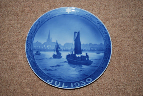 1930's Royal Copenhagen Christmas Plate