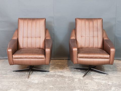 Pair of 1970s Danish Taupe Vinyl Swivel Armchairs with Chromed Steel Feet