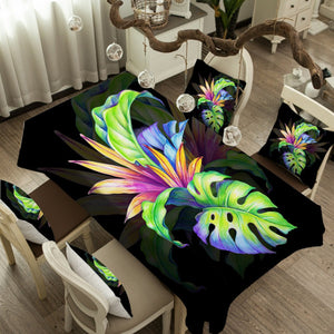 Trop Love Tablecloth - Beddingify