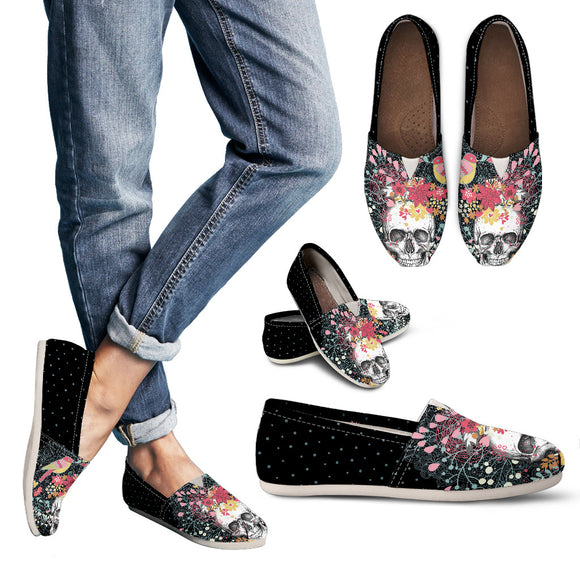 Stunning Red Flowers & Skull Women's Casual Shoes