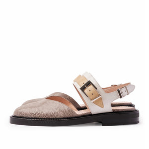 INCH2 TAUPE V TOE SANDALS