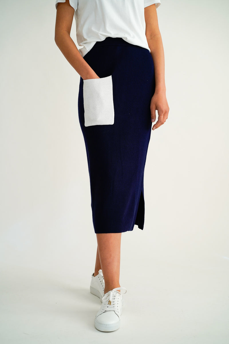 PILA NAVY/IVORY KNITTED SKIRT