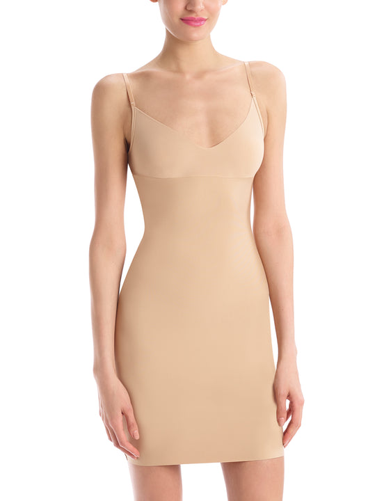 Two-Faced Tech Control Full Slip in Beige