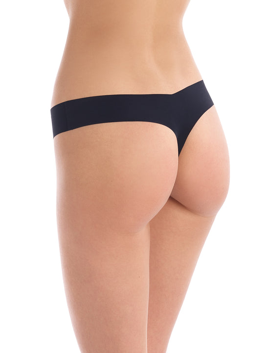 Seamless raw-cut thong in Black