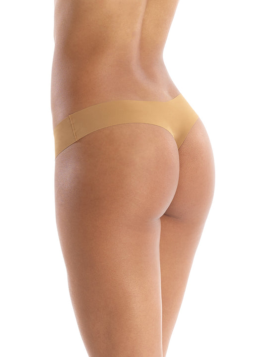 Seamless raw-cut thong in Caramel