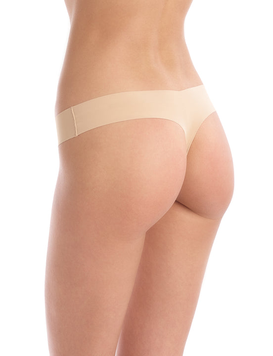 Seamless raw-cut thong in Beige