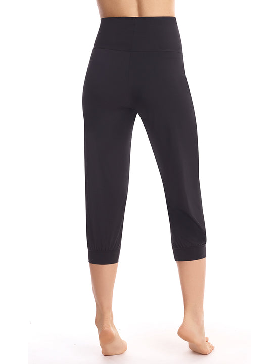 capri jogger in black