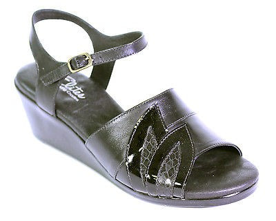 WALKING CRADLES ELITE HONEY WOMENS SANDALS (SAMPLE) BLACK 6 M