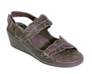 WALKING CRADLES ELITES VECTOR WOMENS SANDALS (SAMPLE) BROWN 6 M