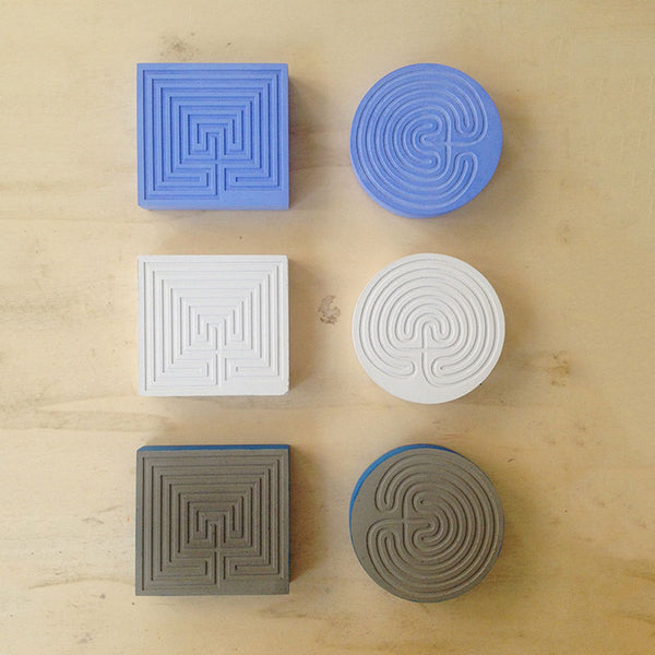 Labyrinth Round Press Papier