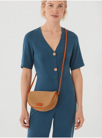 Canvas contrasting piping crossbody