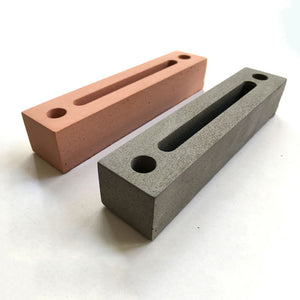 Linear Card-holder
