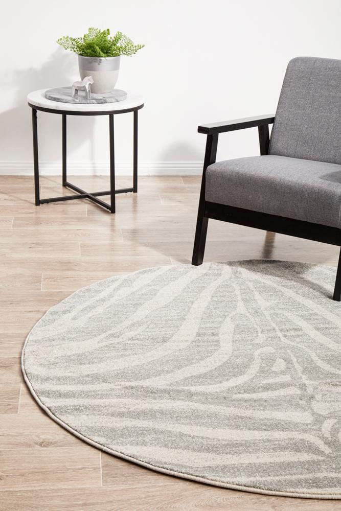 Chrome Savannah Silver Round Rug