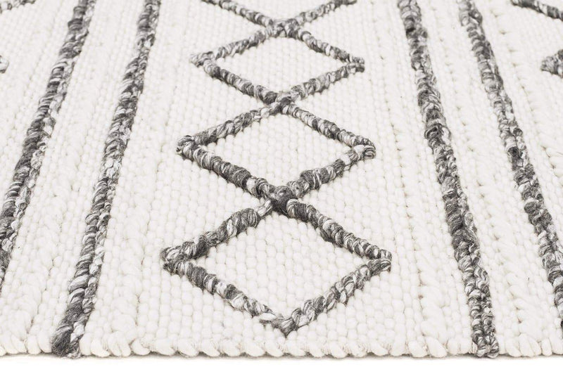Studio-Milly Textured Woollen Rug White Grey