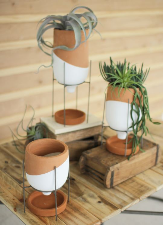 Set of 3 White Dipped Terracotta Funnel Planter with Wire Base