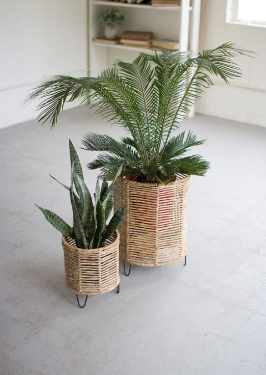 Set of 2 Woven Rush Baskets with Iron Bases