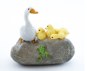 Mother Duck & Ducklings - Garden to Go Figurine