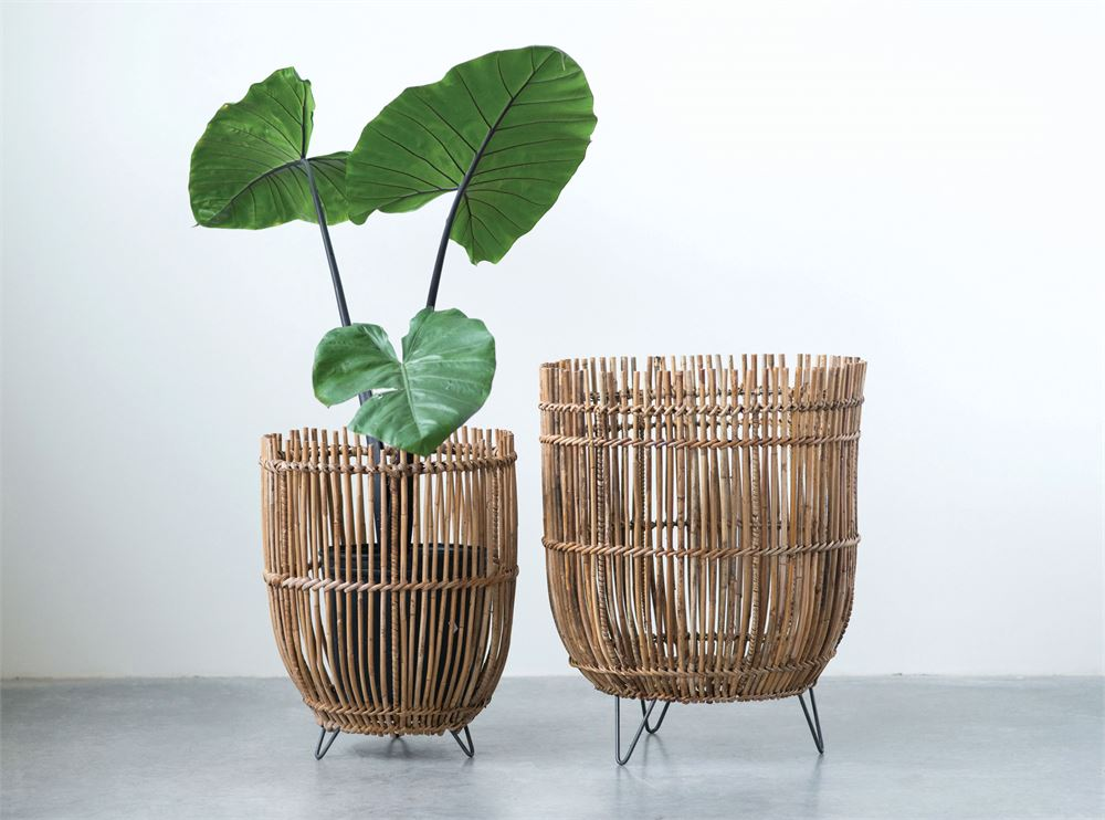 Set of 2 Arurog Baskets with Metal Feet