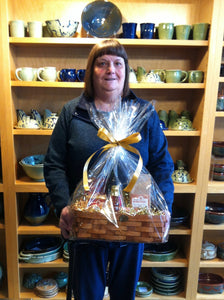 Maple Run Emporium Grand Breakfast Basket Winner Denise Collins