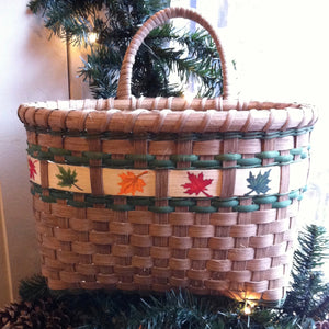 Maple Leaf Mail Basket