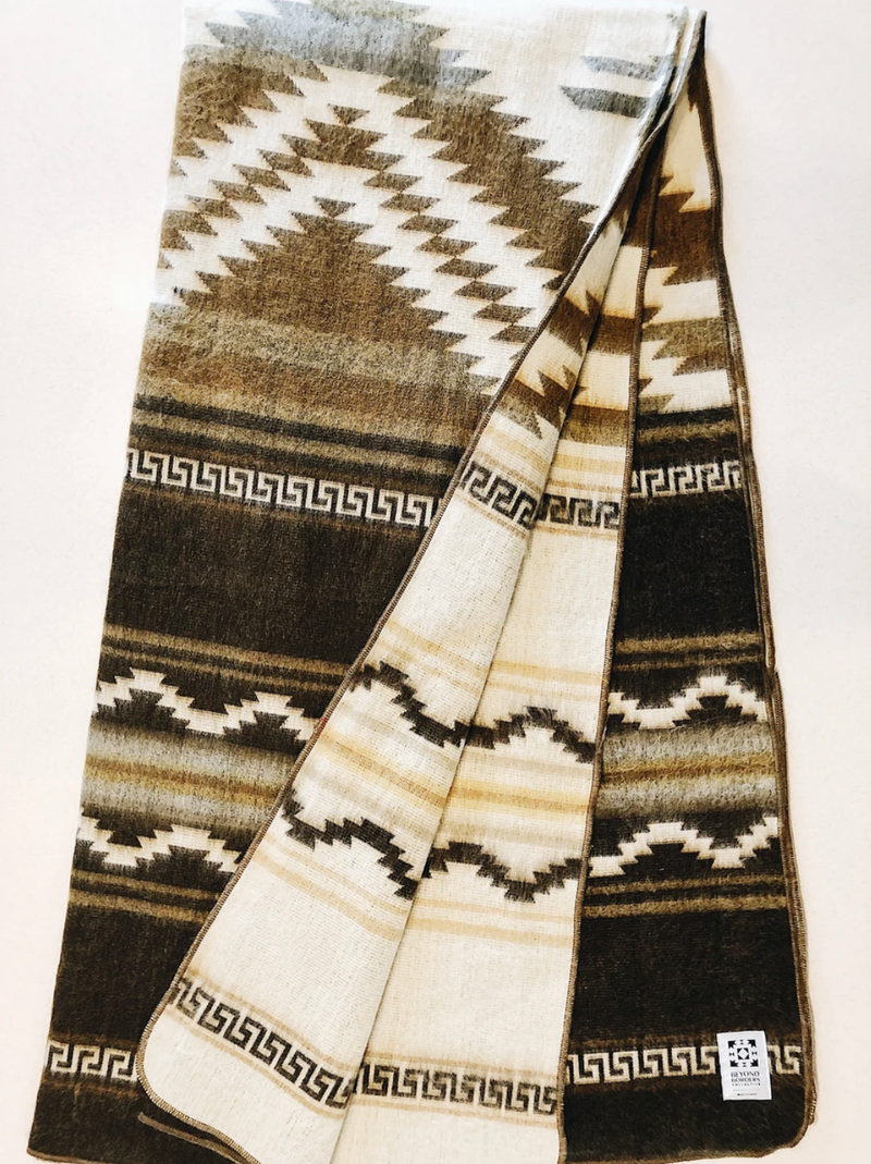 The Shuar Blanket - Dusty