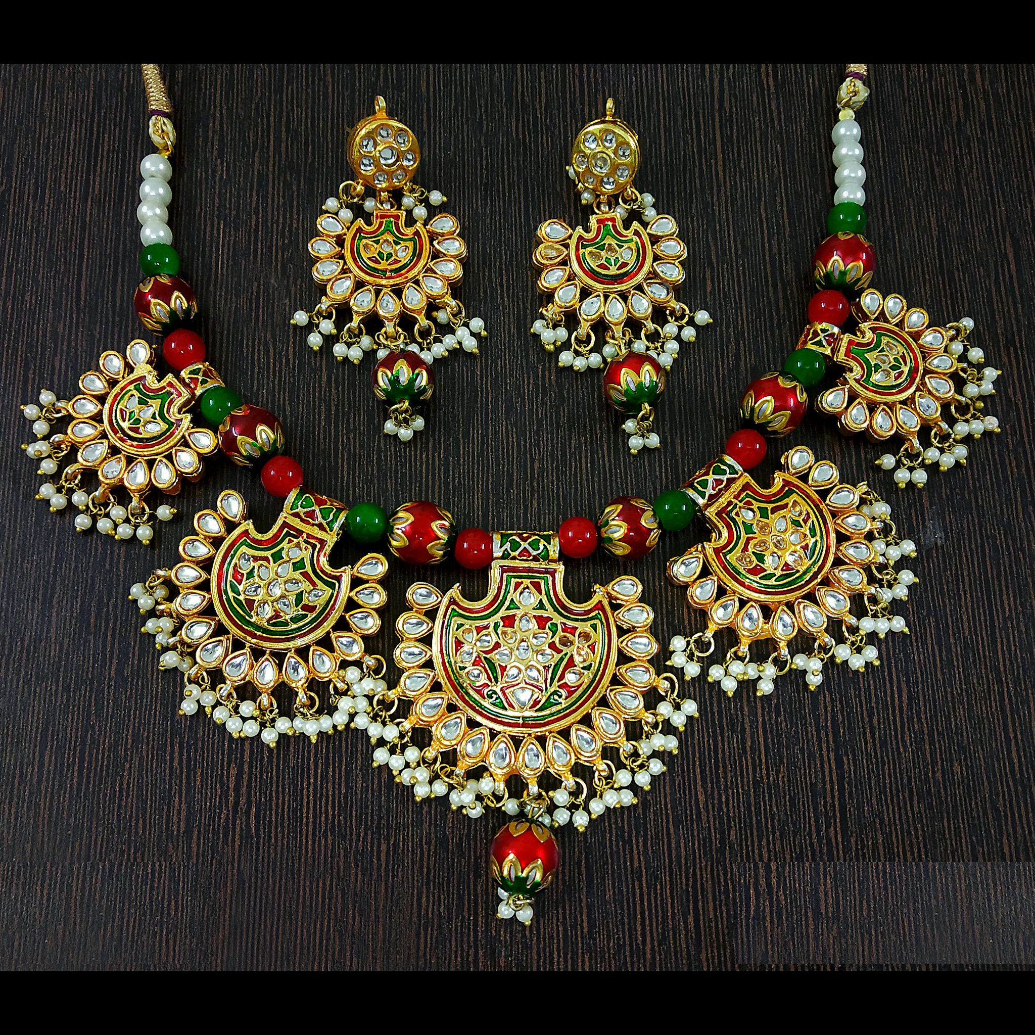 Red-Green Kundan and Moti Choker Necklace Set in Golden Red-Green