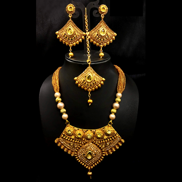 Traditional Design Wedding Golden Necklace Set with Mangtika