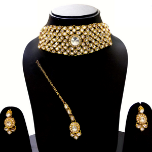 Golden Kundan Choker Necklace Set