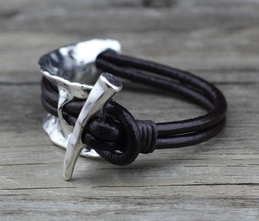 Retro Style Men's Alloy and Leather Bracelet - 3 Colors