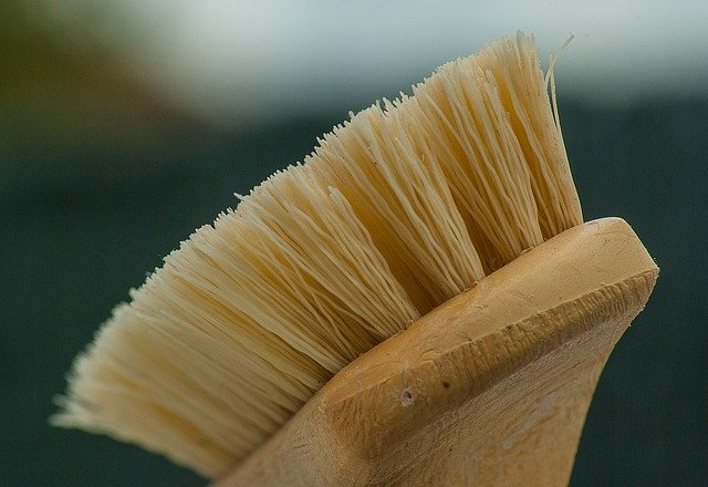 Whats the Difference in Boat Brushes deck cleaning