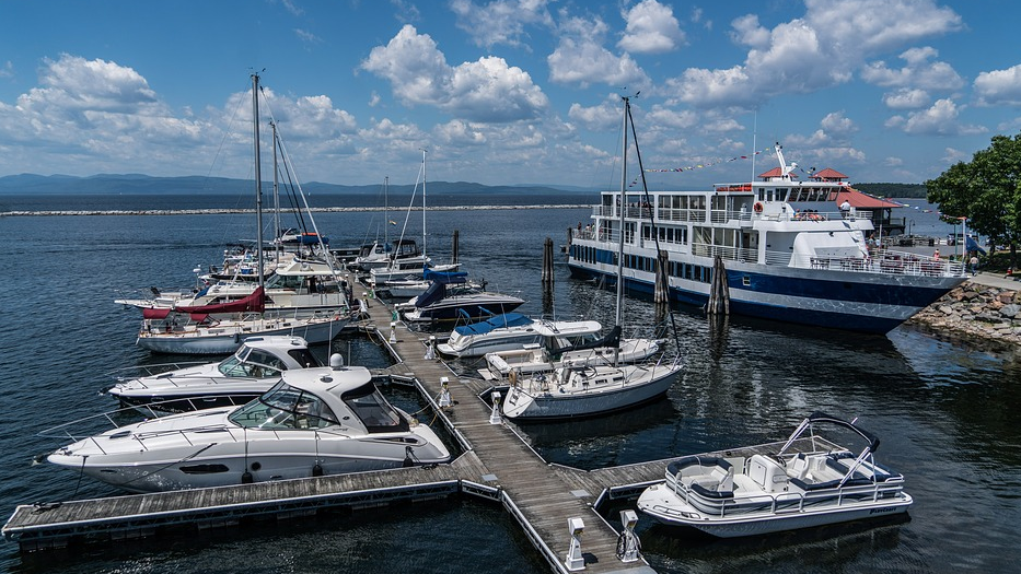 Is there a Kelley Blue Book for Boats? lake champlain