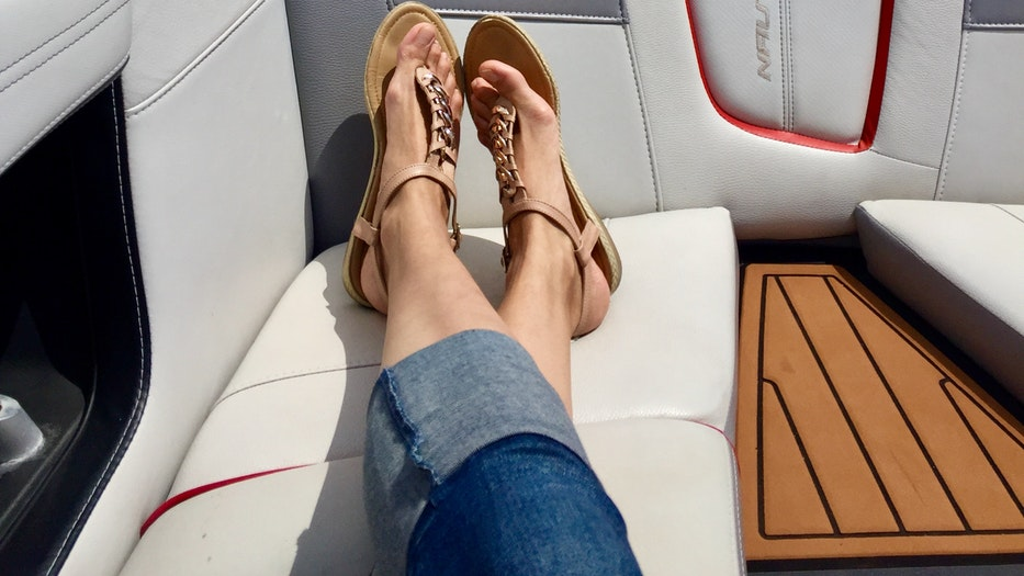 5 Properties of a Quality Boating Shoe: Deck Shoes Made Easy! ladies feet