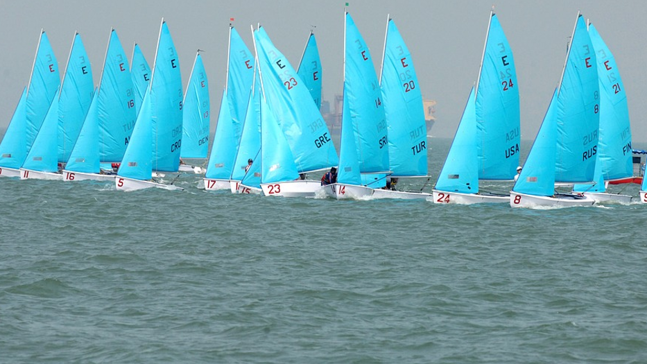 What Is It Like To Race A Sailboat? sailing regatta