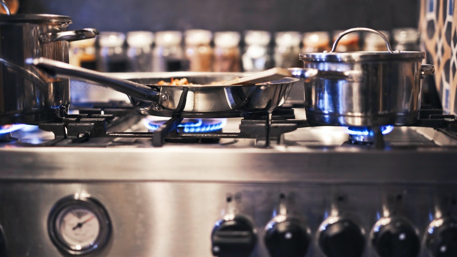 Essential Galley Gear: Boat Kitchen Equipment Made Easy stove top