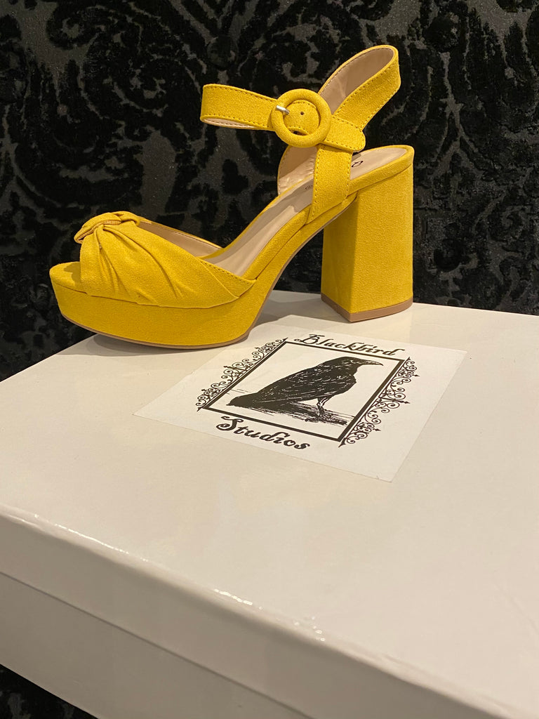 Chloe Platform Shoes - Yellow