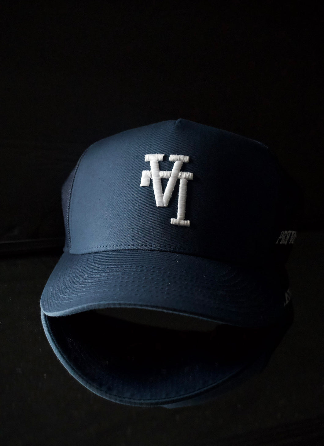 Los Angeles- Trucker Hat [ Navy ]