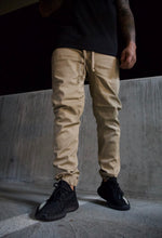 Load image into Gallery viewer, Men's Essential Joggers [ khaki ]