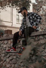 Load image into Gallery viewer, Premium Flannel - Blvck