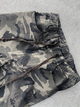 Load image into Gallery viewer, Olive Camo - Joggers