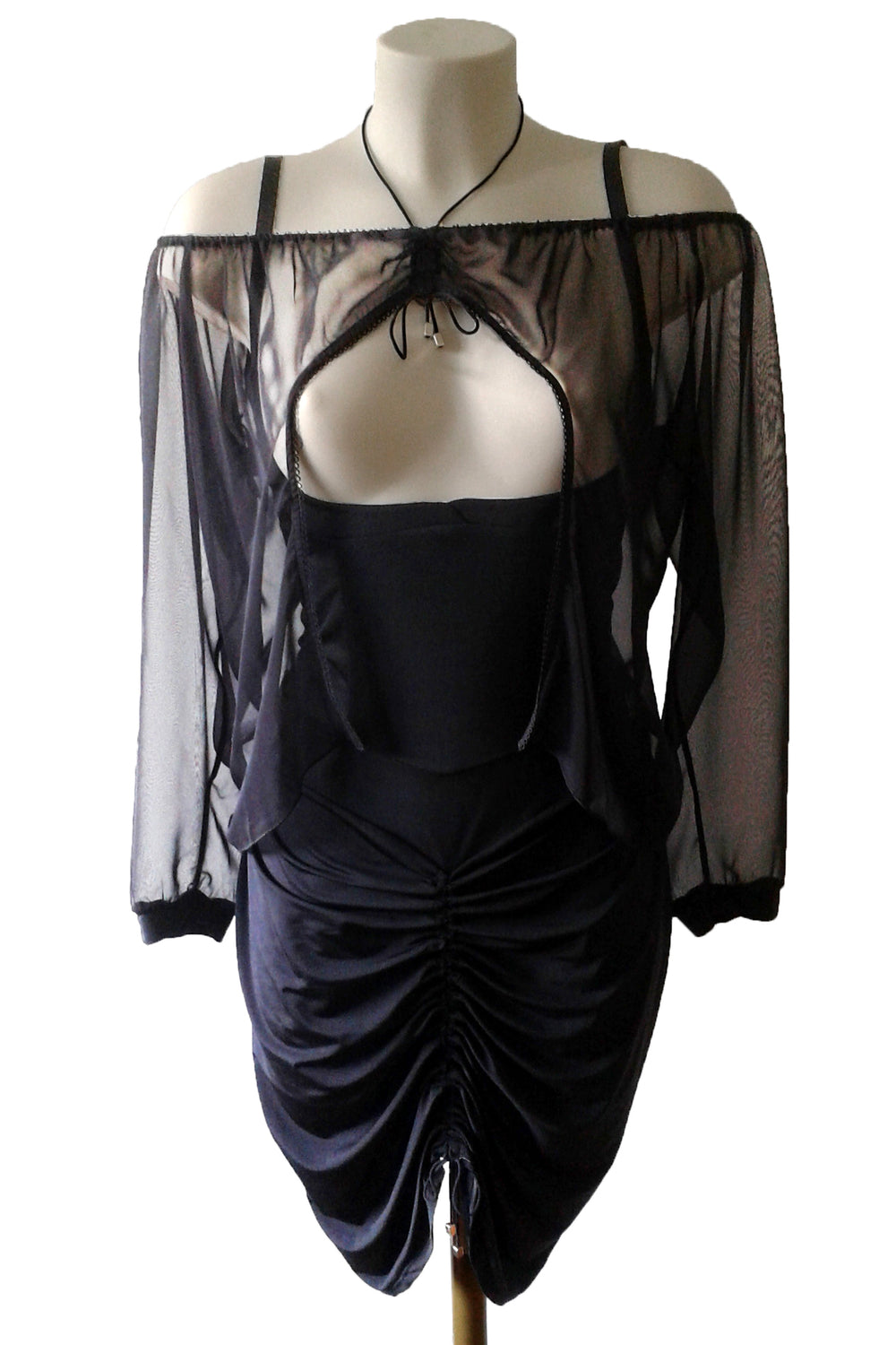 confession- troublante -robe-sexy-chic-grande-taille-glamour-club-noir
