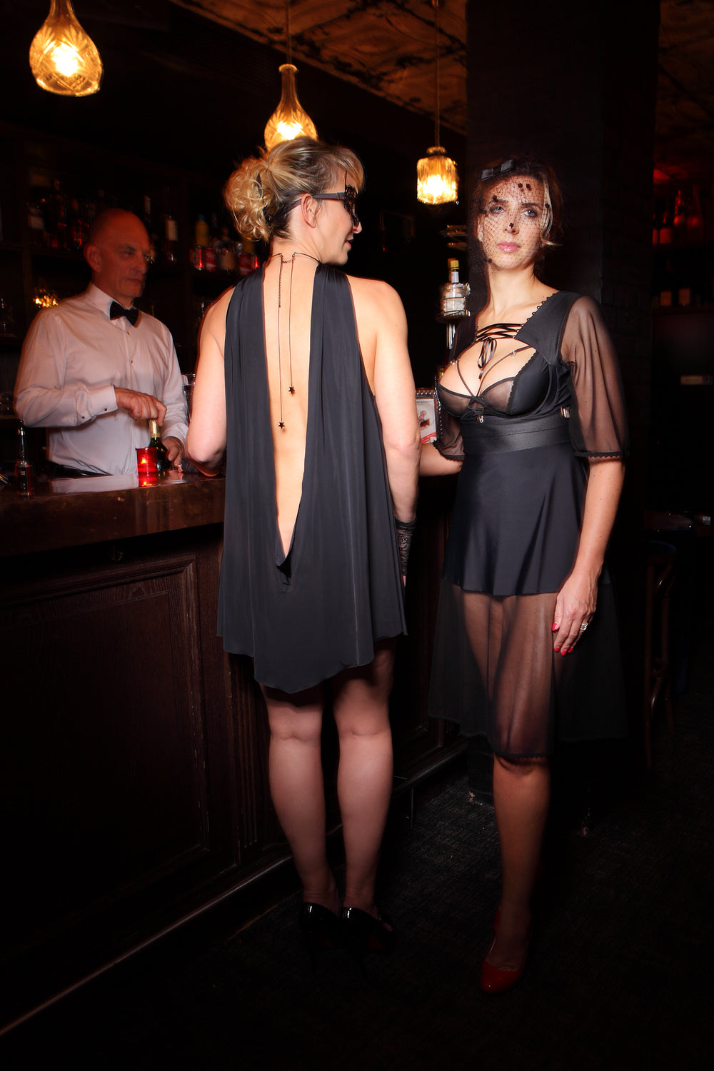frisson-coupable-robe-sexy-chic-grande-taille-glamour-club-noir