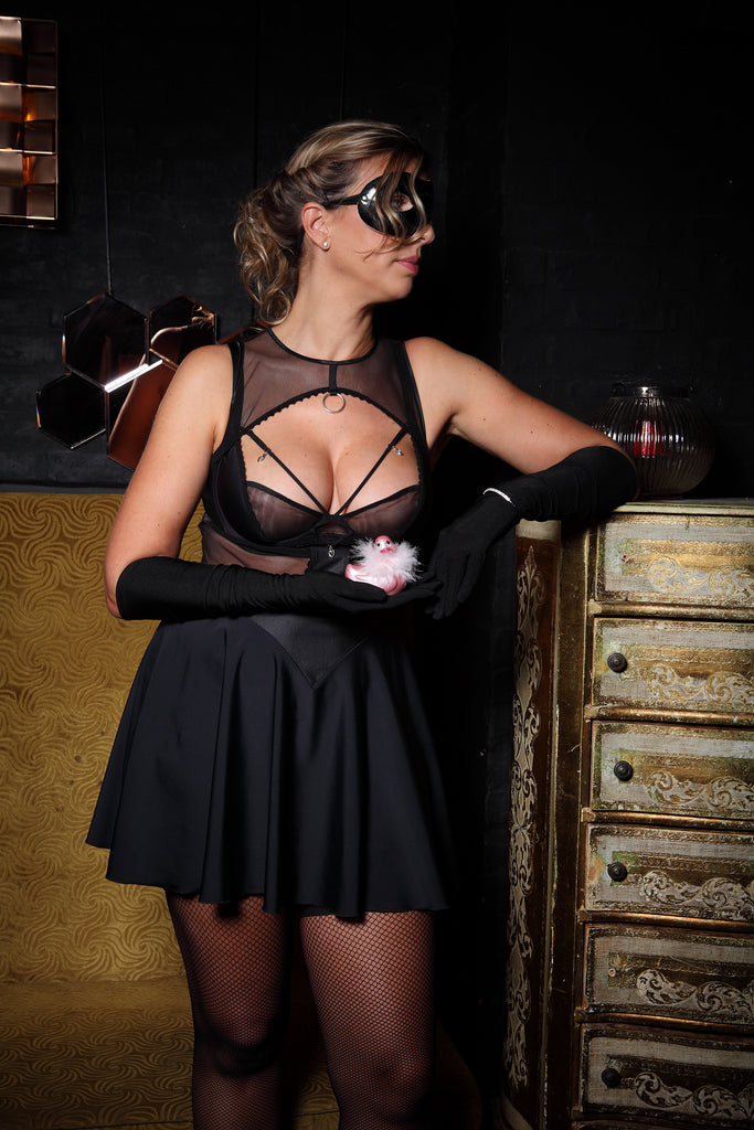 nuit-féline-robe-courte -sexy-chic-grande-taille-glamour-club-libertin-noir