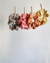 Cosmico Silk Scrunchie - Peach