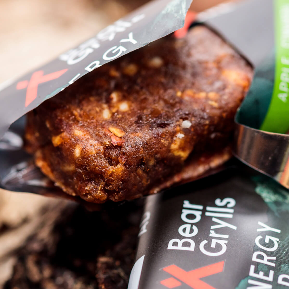 Bear Grylls-Apple-Cinnamon-Caramel-Planet-positive-energy-bars