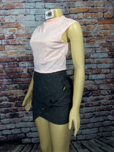 Load image into Gallery viewer, AMII RAZOR CROP TOP (2 COLORS)